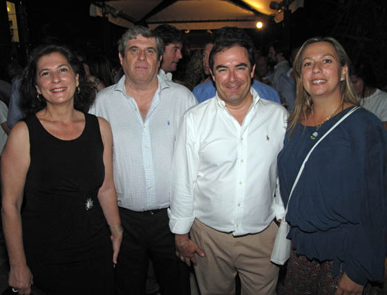 Los condes de Benjumea con Javier de Solís, conde de Casa Alegre, y Sara Naranjo.  Foto: Victoria Ramírez