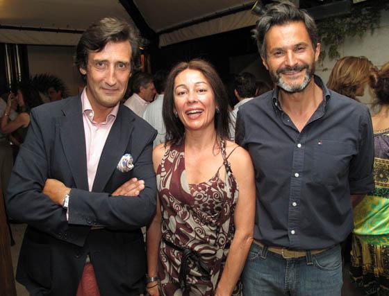 Emilio Moeckel, director de Icide; Alexa Calvo y Juan Carrillo.  Foto: Victoria Ramírez