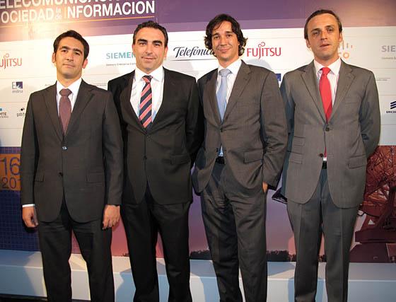 Guillermo Sanchís, David García Ternero y Enrique Villa, de Wellness Telecom.  Foto: Victoria Ramírez