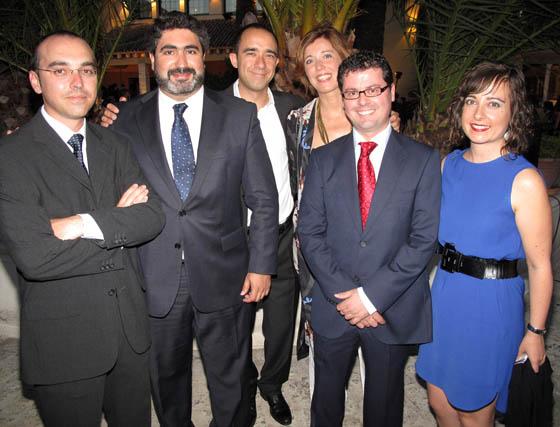 Sergio González (Grupo Iturri), José Carlos Jiménez (Vodafone España), Javier Domínguez (Junta de Andalucía), Pilar Jiménez (Novasoft), el empresario Manuel Boza (LegsGo) y Montserrat Domínguez (Junta de Andalucía).  Foto: Victoria Ramírez