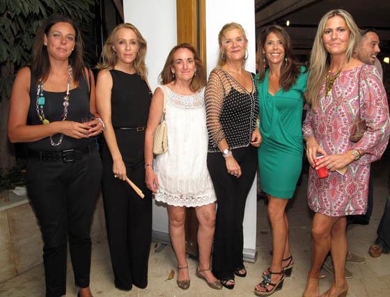Blanca Romero-Valdepino, Isabel Cebolla, Rocío González-Palomino, Lucía Hernández-Franch, Myriam Borrero y Rosa León.  Foto: Victoria Ramírez
