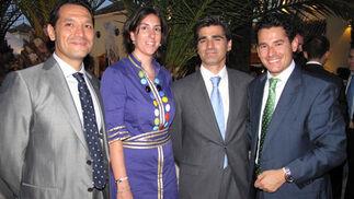 Carlos Santiago, gerente comercial de Axión; Davinia Rodríguez y Jaime Escacena (Emte Sistemas) y JoséCarlos Pérez, jefe de Ventas de Ono Empresas.  Foto: Victoria Ramírez