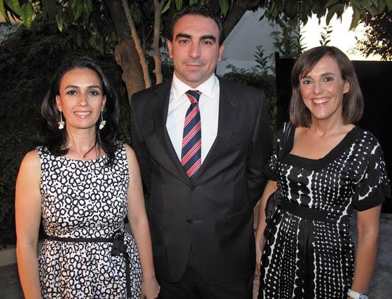 Victoria Cabrera, directora de Cibersur; David García Ternero, director general de Wellness Telecom, y Nuria Gómez Thebaut, consultora en Telefónica.  Foto: Victoria Ramírez