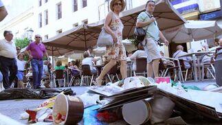Unos piquetes llenaron de basura la calle Larga  Foto: Juan Carlos Toro