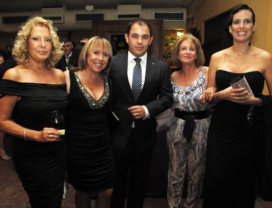 Concha Travé, Eva Olivares, Carlos Monís, Eusebia Nogales y Maite Sánchez.  Foto: Victoria Ramírez