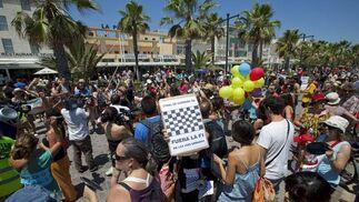 Los indignados protestaron en Valencia por el alto coste del Gran Premio de Europa.  Foto: EFE