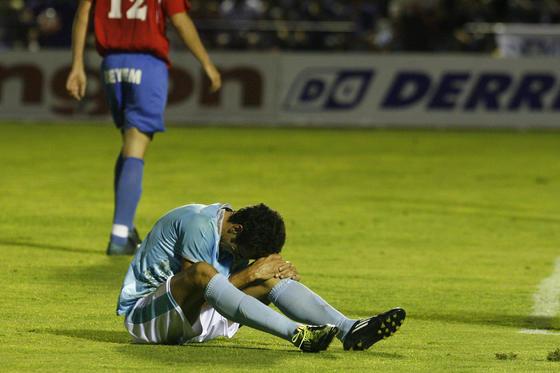 El San Fernando CD es incapaz de remontar y pierde de nuevo ante La Roda por 0 goles a 1. Se queda así a las puertas de la Segunda División B./Fotos:Borja Benjumeda  Foto: Borja Benjumeda