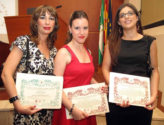 Las abogadas Macarena Pérez Ocaña (master de AJ), con Laura Luna y Sara Vázquez (PJ1&PJ2).  Foto: Victoria Ramírez