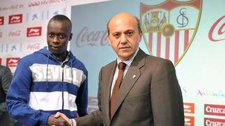 Presentación oficial del delantero Babá.  Foto: Juan Carlos Vázquez