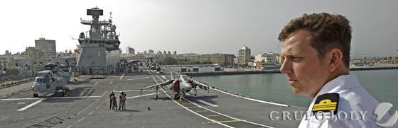 El mayor buque que haya tenido la Armada española en toda su historia permanecerá 3 días en el puerto gaditano en jornada de puertas abiertas./Julio González