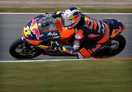 Las imágenes de la carrera de Moto3 del Gp de Cataluña.  Foto: AFP