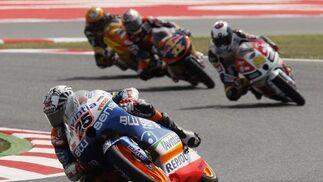 Las imágenes de la carrera de Moto3 del Gp de Cataluña.  Foto: Reuters
