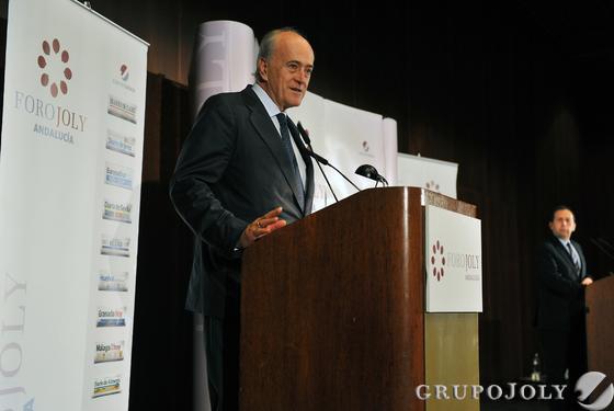 Baldomero Falcones, presidente de FCC, durante su intervención en el Foro Joly Andalucía.  Foto: Victoria Hidalgo / Juan Carlos Vazquez