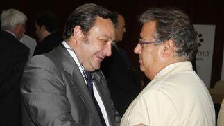 Florencio Baltasar, director de la correduría de seguros  Eos Risq, con Juan Ignacio Zoido.  Foto: Victoria Hidalgo / Juan Carlos Vazquez