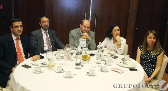 Pedro Montero, Andrés García, Jerónimo Retamal, Ana Chocano y Carmen Fernández.  Foto: Victoria Hidalgo / Juan Carlos Vazquez