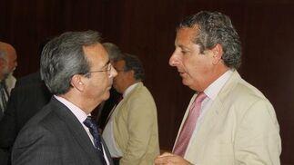 Juan Carlos Fernández, director general del Grupo Joly, y Jesús Maza, consejero delegado de Emasesa.  Foto: Victoria Hidalgo / Juan Carlos Vazquez