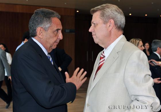 José Luis Manzanares, presidente de Ayesa, y el arquitecto Jaime Montaner.  Foto: Victoria Hidalgo / Juan Carlos Vazquez