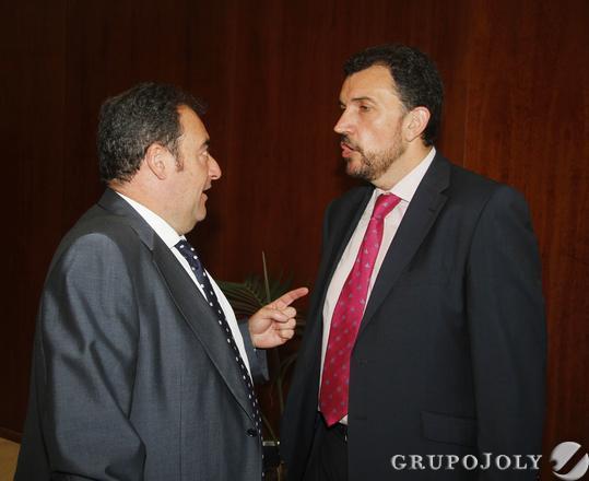 Tomás Valiente, director general del Grupo Joly, y José Manuel Velasco, director general de comunicación de FCC.  Foto: Victoria Hidalgo / Juan Carlos Vazquez