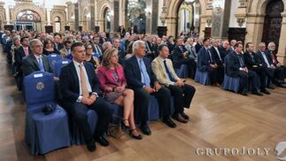 Vista del auditorio que siguió el coloquio con los premios Nobel en uno de los salones del Hotel Alfonso XIII.  Foto: Juan Carlos Vazquez/Victoria Hidalgo