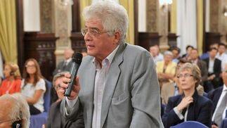 El catedrático de Genética Enrique Cerdá.  Foto: Juan Carlos Vazquez/Victoria Hidalgo