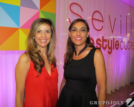 Mónica Delgado (Comunicación Neinver) y Magalí Patroni, directora de Marketing de Neinver España.   Foto: Victoria Ramírez