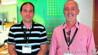 Antonio Díaz Espejo y José Enrique Fernández, secretario y presidente, respectivamente, de los comités organizador y científico del simposio.   Foto: Victoria Ramírez