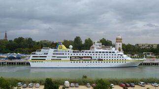 Las imágenes del crucero 'Hamburg' en Sevilla
