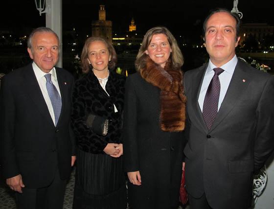 Alfonso Fernández de Peñaranda, Concha Plasencia y los marqueses de la Peña de los Enamorados.  Foto: Victoria Ramírez