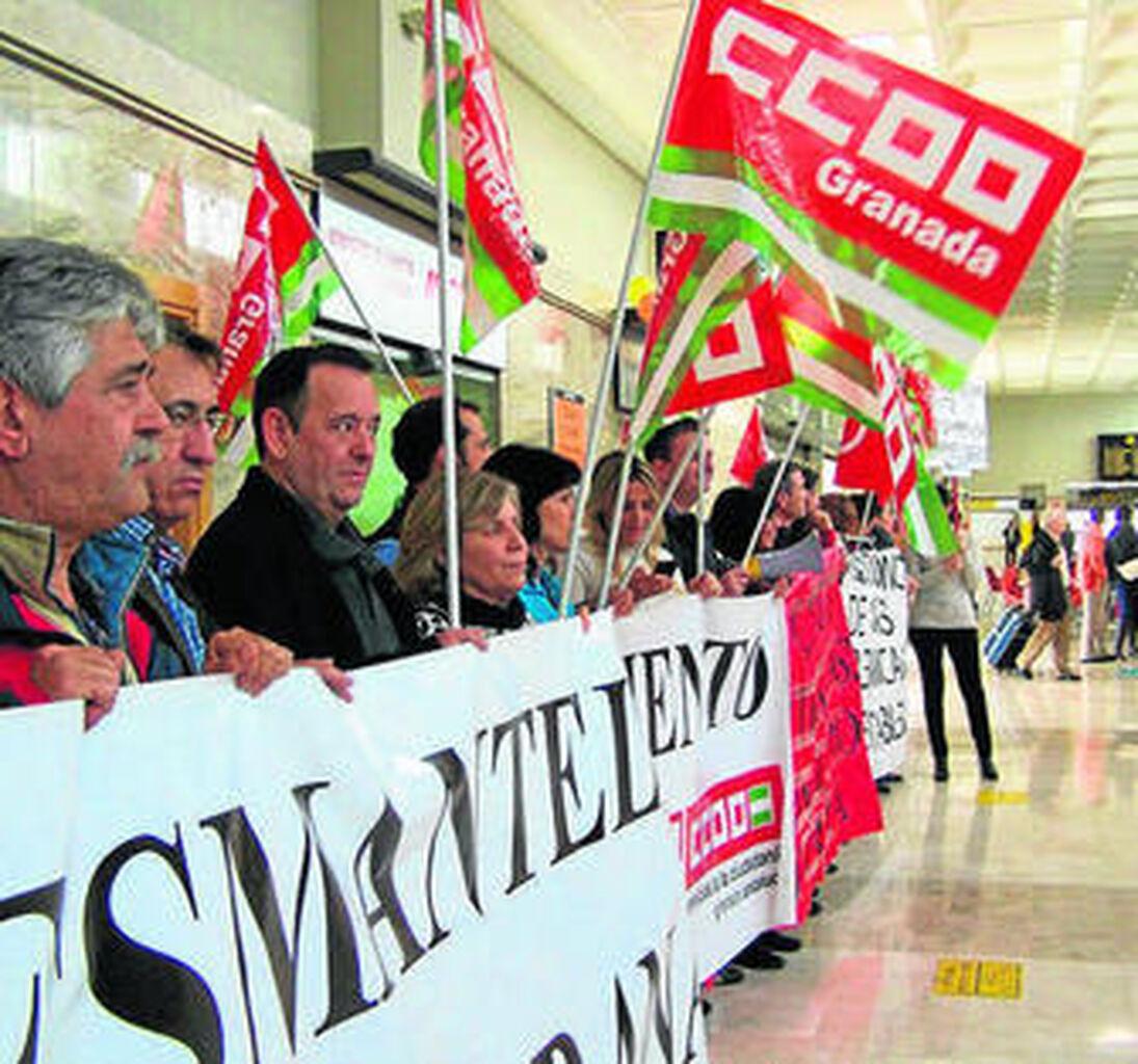 La plantilla de Iberia amenaza con la huelga en Semana Santa