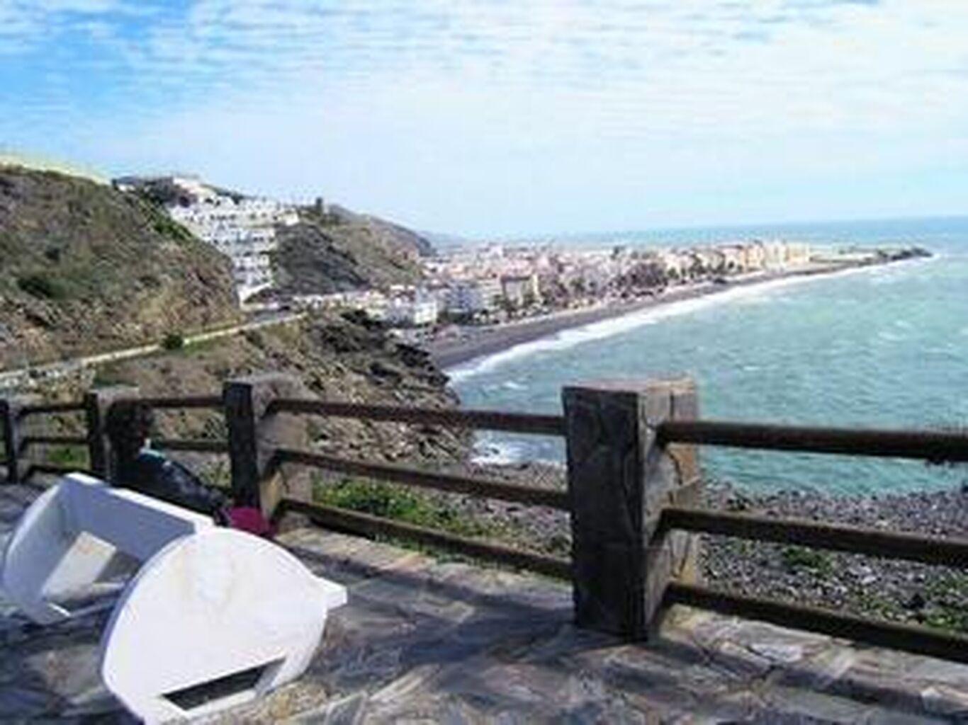 Las mejores zonas para conocer mujeres mayores de Granada en La Rabita ⇵