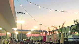 Temporada de verano en Arena Bar. El Snack Bar del Complejo Deportivo Open Arena abrió anoche su terraza de verano con cambios, ya que los protagonistas serán los platos pensados para compartir.