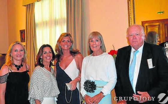 Almudena de Arteaga, Rocío Ortega, Caroline y Jan de Clerck.  Foto: Ignacio Casas de Ciria