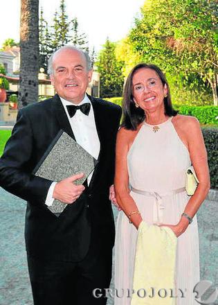 Rafael Sánchez Saus con Consuelo Laserna.  Foto: Ignacio Casas de Ciria