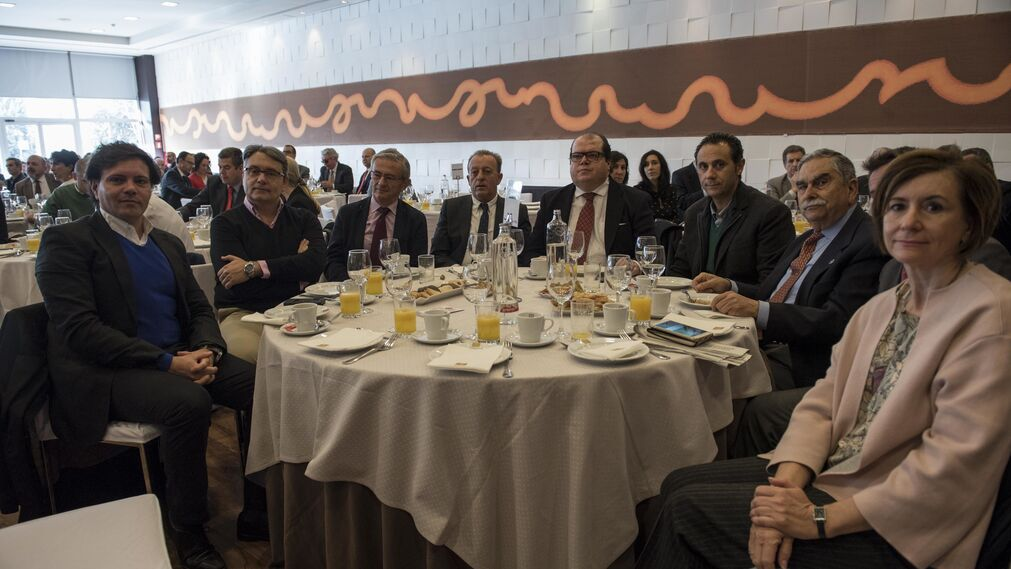 Fondo De Armario Translation ~ Las imágenes del desayuno informativo con Covirán