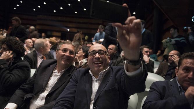 El periodista Juan Prieto junto a Julián García.