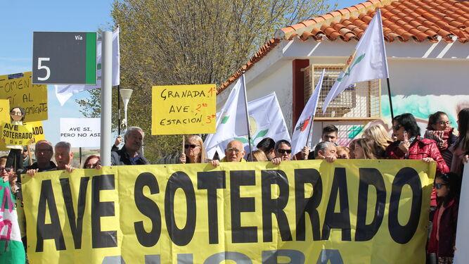 La lucha contra el aislamiento ferroviario se traslada a Moreda