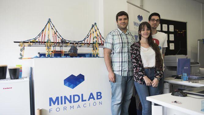 Una parte del equipo de Mindlab Formación, en el módulo del CIE.