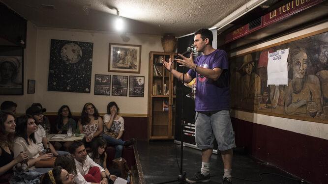 Un momento captado durante la primera edición del Torneo de slam poetry Gata Cattana.