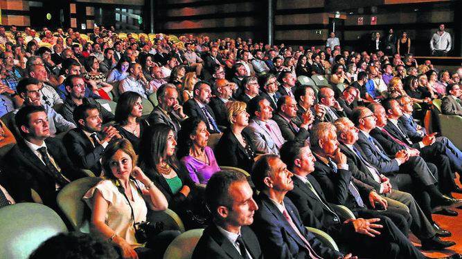 La convocatoria concentró a un gran número público relacionado con el sector.