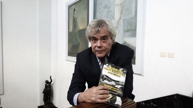 El autor refleja en su última novela paisajes y personajes 'reconocibles'.