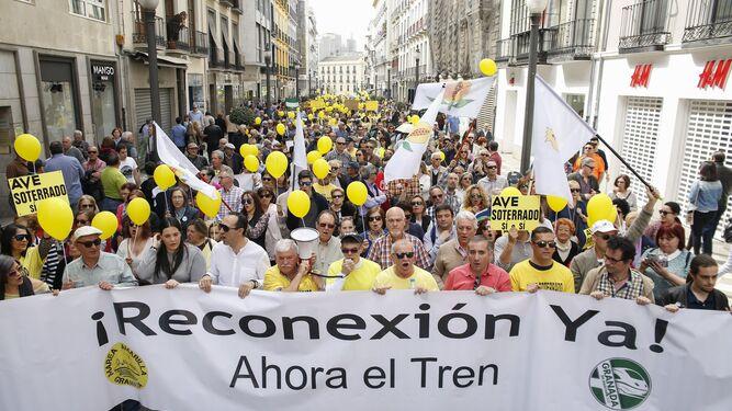 Manifestación por la reconexión ferroviaria y el AVE celebrada en marzo.
