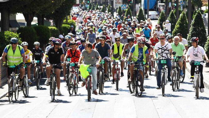 Decenas de ciclistas en una protesta celebrada en septiembre.