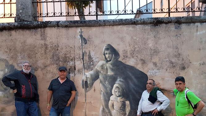 Una parada obligada para inmortalizarse junto a un mural dedicado al Peregrino.