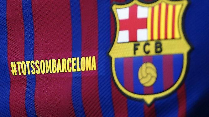 El Barcelona lució en sus camisetas el lema #TotsSomBarcelona.