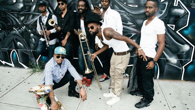 1.Los barceloneses The Suicide of de Western Culture. 2. La formación de Chicago Hipnotic Brass Ensemble.
