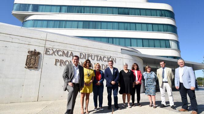 El equipo de Gobierno de la Diputación analizó ayer los retos del nuevo curso político.