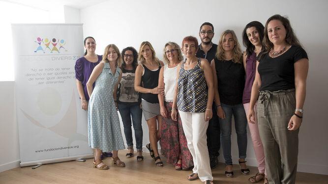 Parte del equipo que conforma la Fundación Diversos.