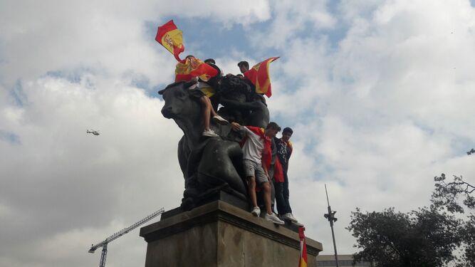 Miles de personas se manifiestan en Barcelona en el Día de la Hispanidad