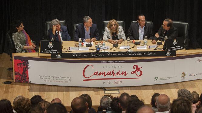 Manuela Carrasco, Rancapino, Alberto García Reyes, Dolores Montoya 'La Chispa', Curro Romero y Pepe de Lucía, en el Congreso Leyenda Camarón.