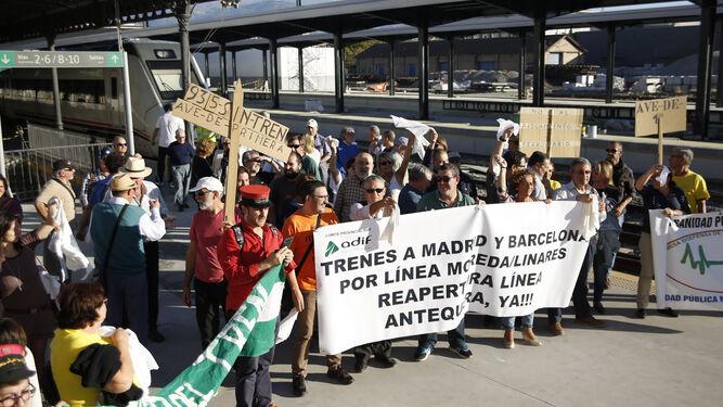 """Desde la Marea Amarilla consideran que la falta de tren es """"una vergüenza que hace daño a la provincia""""."""